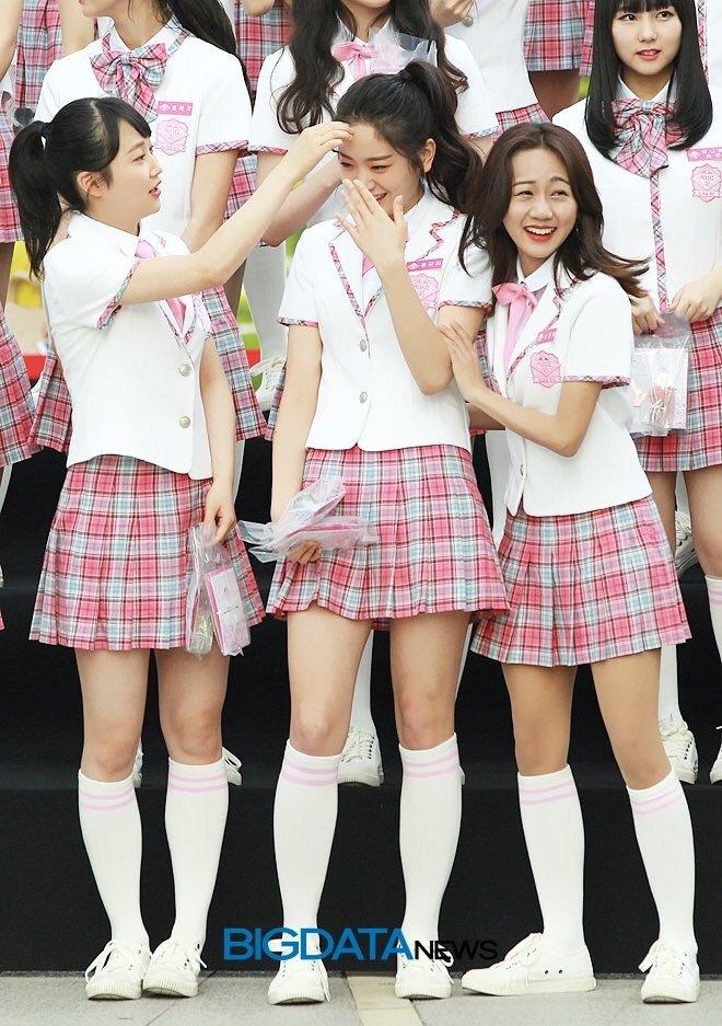 Tags: K-Pop, Television Show, J-Pop, NGT48, fromis 9, Jang Gyuri, Yamada Noe, Son Eunchae, Bow, Ponytail, White Legwear, Skirt