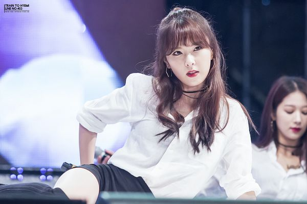 Tags: K-Pop, Nine Muses, Pyo Hyemi, Red Lips, Sitting On Ground, Choker, Looking Away, Black Shorts, Shorts, Wallpaper