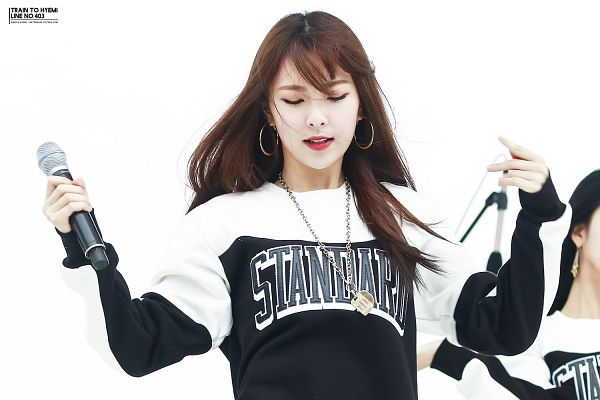 Tags: K-Pop, Nine Muses, Pyo Hyemi, Light Background, Striped, White Background, Eyes Closed, Necklace, Striped Shirt, Wallpaper