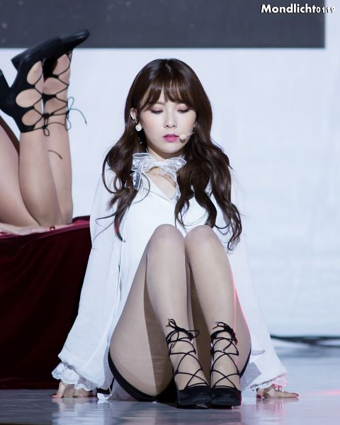Tags: K-Pop, Nine Muses, Pyo Hyemi, Black Shorts, Eyes Closed, Sitting On Ground, Shorts, Black Footwear