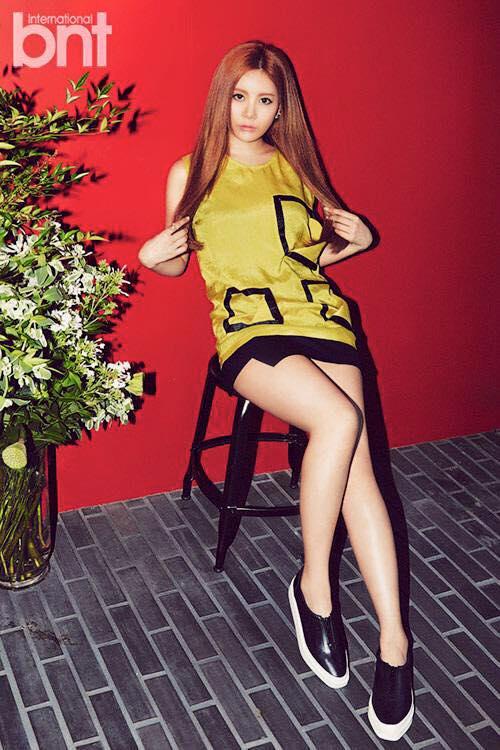 Tags: K-Pop, T-ara, Qri, Text: Magazine Name, Red Background, International Bnt, Magazine Scan