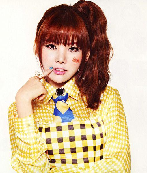 Tags: K-Pop, After School, Orange Caramel, Lipstick (Orange Caramel), Raina, White Background, Hair Up, Checkered, Tie, Yellow Outfit, Blunt Bangs, Ponytail