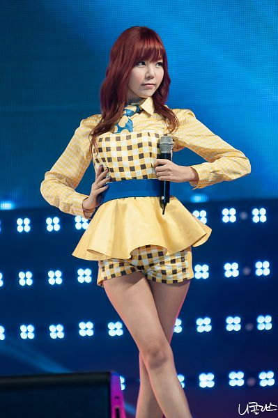 Tags: K-Pop, After School, Orange Caramel, Raina, Yellow Shorts, Hand On Waist, Crossed Legs (Standing), Looking Away, Checkered Shirt, Yellow Shirt, Checkered, Shorts