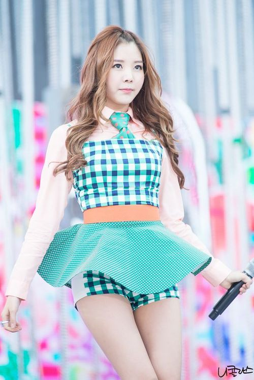 Tags: K-Pop, Orange Caramel, After School, Lipstick (Orange Caramel), Raina, Looking Away, Looking Up, Live Performance