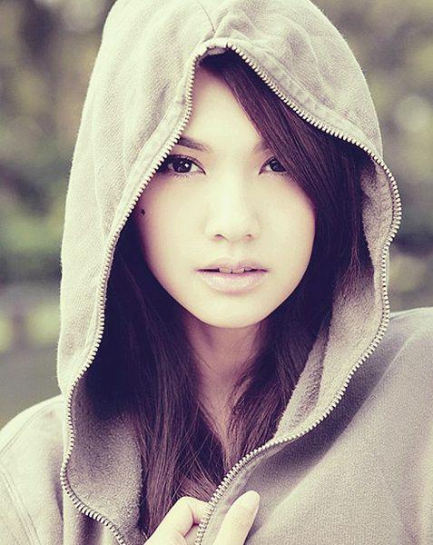 Tags: C-Pop, Rainie Yang