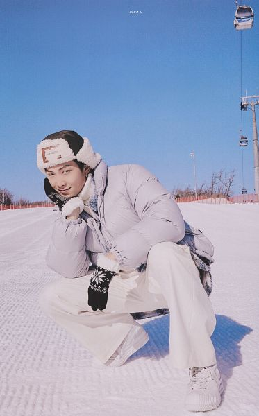 Tags: K-Pop, BTS, Rap Monster, Snow, Gray Jacket, Collar (Clothes), Fur Trim, Gloves, Hand On Head, Gray Outerwear, Hat, Crouching