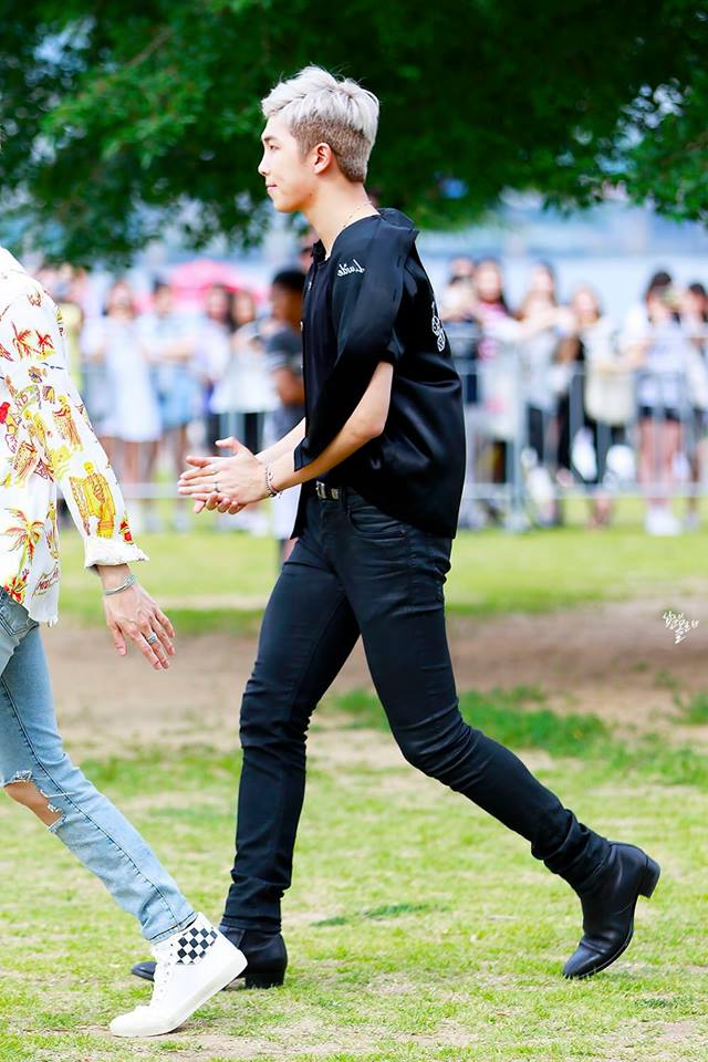 Tags: K-Pop, BTS, Rap Monster, Walking, Necklace, Black Pants, Short Sleeves, White Hair, Ring, Side View