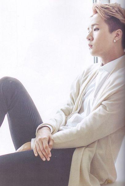 Tags: K-Pop, VIXX, Ravi, White Outerwear, White Background, White Jacket, Black Pants, Side View, Light Background
