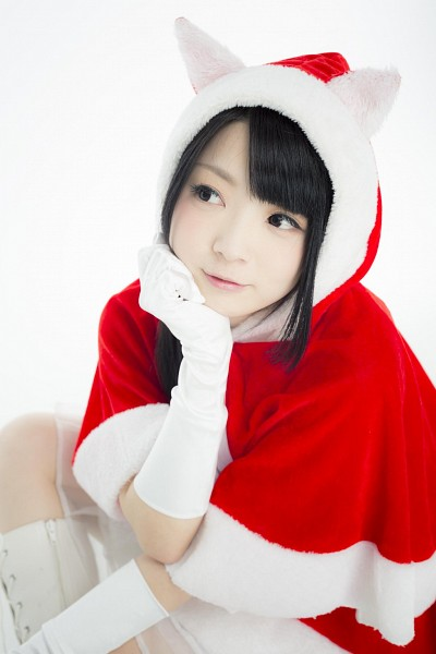 Tags: J-Pop, Ray, Hoodie, Christmas Outfit, Cosplay, Light Background, White Background, Christmas, White Gloves, Looking Away, Animal Ears, Hood
