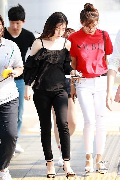 Tags: K-Pop, Red Velvet, SM Town, Irene, Kang Seul-gi, Mobile Wallpaper