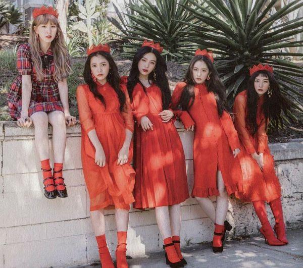 Tags: SM Town, K-Pop, Red Velvet, Peek A Boo, Joy, Wendy, Kang Seul-gi, Irene, Yeri, Socks, Red Lips, Crown