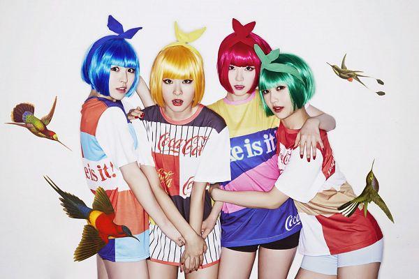 Tags: SM Town, K-Pop, Red Velvet, Happiness (Song), Joy, Wendy, Kang Seul-gi, Irene, Blonde Hair, Hair Ornament, Hair Bow, Hug
