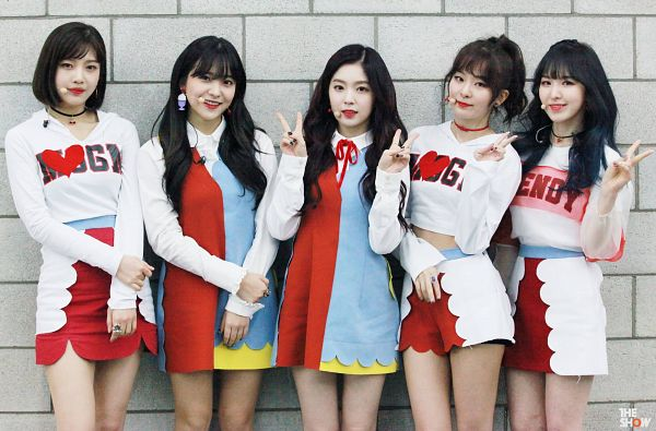 Tags: SM Town, Television Show, K-Pop, Red Velvet, Joy, Wendy, Kang Seul-gi, Irene, Yeri, Ponytail, Choker, Ring