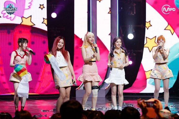 Tags: SM Town, K-Pop, Television Show, Red Velvet, Irene, Yeri, Joy, Wendy, Kang Seul-gi, Pink Skirt, Multi-colored Shirt, Red Hair