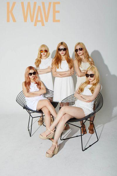 Tags: SM Town, K-Pop, Red Velvet, Kang Seul-gi, Irene, Yeri, Joy, Wendy, White Outfit, Crossed Legs, White Dress, Crossed Arms