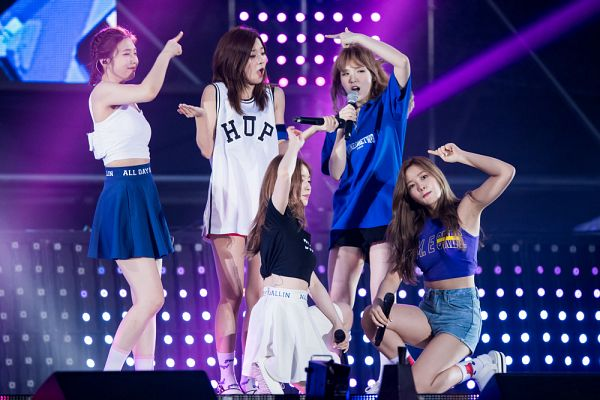 Tags: SM Town, K-Pop, Red Velvet, Dumb Dumb, Irene, Yeri, Joy, Wendy, Kang Seul-gi, Live Performance
