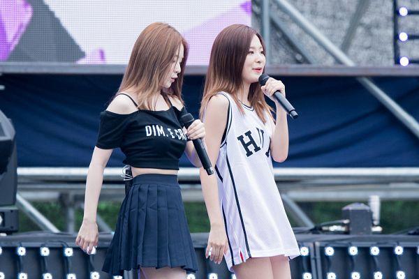 Tags: SM Town, K-Pop, Red Velvet, Dumb Dumb, Kang Seul-gi, Irene, Live Performance