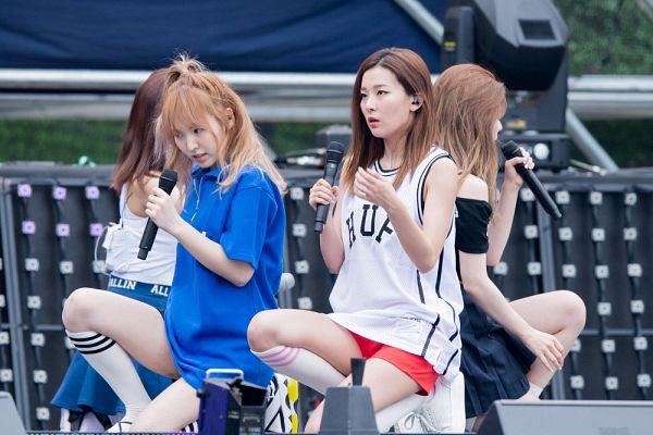 Tags: SM Town, K-Pop, Red Velvet, Dumb Dumb, Kang Seul-gi, Wendy, Live Performance