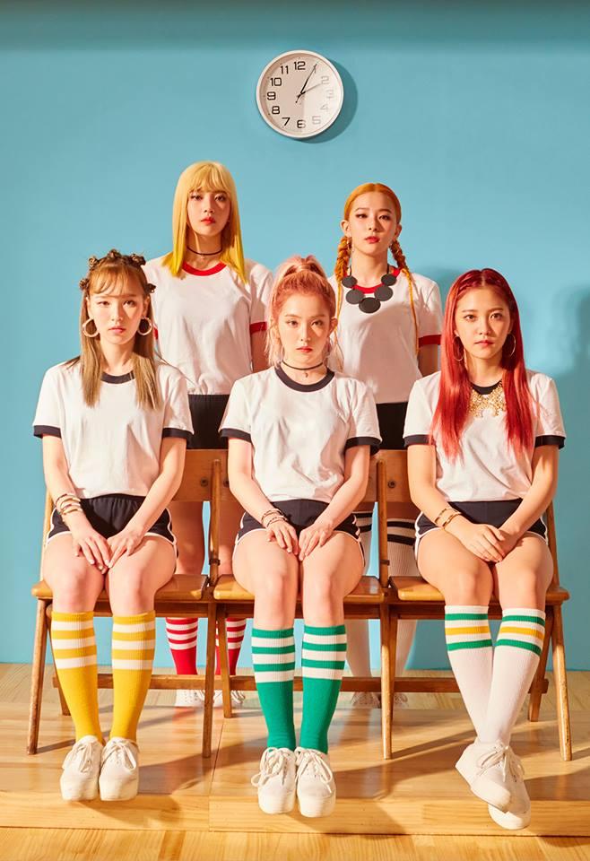 Tags: SM Town, K-Pop, Red Velvet, Russian Roulette (song), Kang Seul-gi, Irene, Yeri, Joy, Wendy, Clock