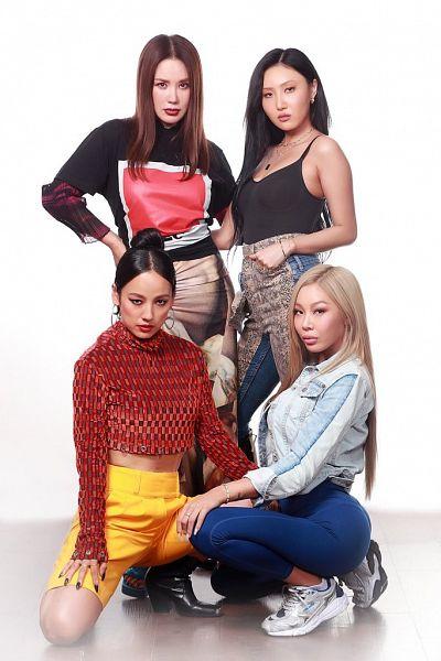Tags: K-Pop, Fin.K.L, Refund Sisters, SSAK3, Mamamoo, Lee Hyori, Jessi, Hwasa, Uhm Jung-hwa, Black Footwear, Yellow Shorts, Hand On Hip