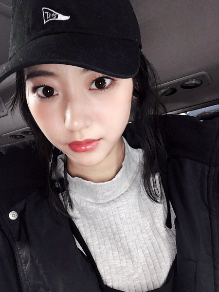 Tags: Dorama, Rena Takeda, Black Outerwear, Black Jacket, Hat, Twitter, Android/iPhone Wallpaper, Selca