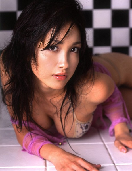 Tags: Gravure Idol, J-Pop, Reon Kadena, Lingerie, Laying On Stomach, Checkered, Bra, Bare Shoulders, Cleavage, Checkered Background, Bikini, Bare Legs
