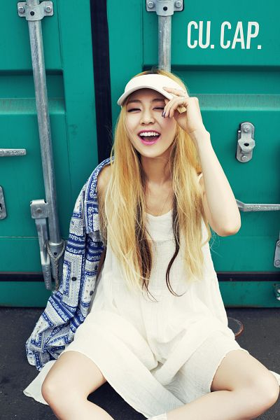 Tags: K-Pop, Ladies Code, Kiss Kiss, RiSe, Laughing, White Dress, White Outfit