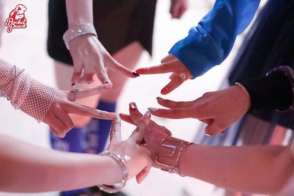 Tags: K-Pop, Rocket Punch, Kim Suyun, Yunkyoung, Takahashi Juri, Yeonhee, Kim Sohee (Rocket Punch), Jeong Dahyun