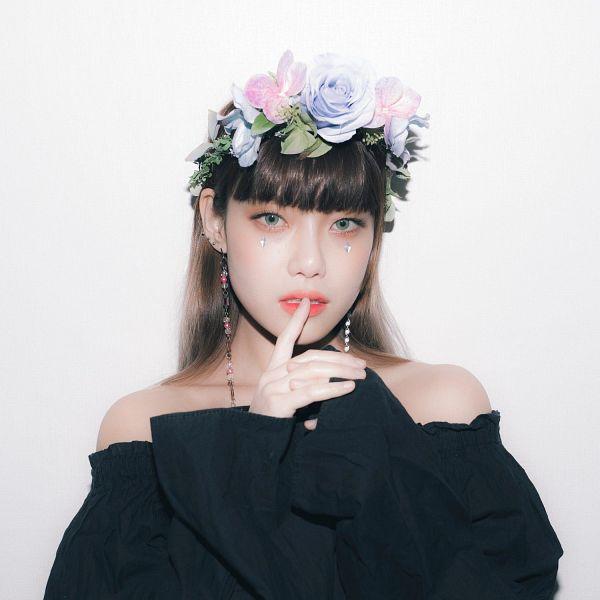 Roya - K-Pop