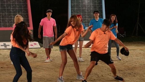 Tags: K-Pop, K-Drama, Girls' Generation, Sunny, Kim Tae-yeon, Kwon Yuri, Stephanie Young Hwang, Pink Shirt, Pants, Messy Hair, Blue Shirt, Blonde Hair