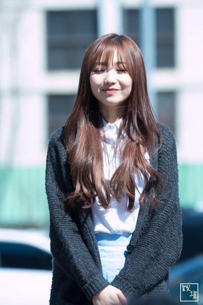 Tags: K-Pop, Lovelyz, Ryu Sujeong, Eyes Closed, Bangs, Android/iPhone Wallpaper
