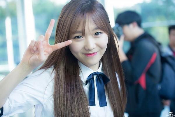 Tags: K-Pop, Lovelyz, Ryu Sujeong, Bangs, Airport, Wallpaper