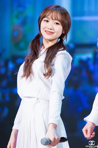 Tags: K-Pop, Lovelyz, Ryu Sujeong, Bangs, Live Performance