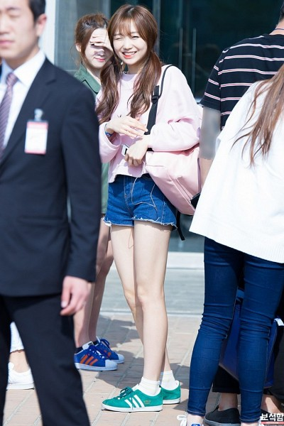 Tags: K-Pop, Lovelyz, Ryu Sujeong, Bangs, Airport