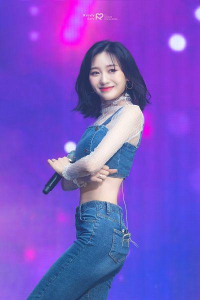 Tags: K-Pop, Lovelyz, Ryu Sujeong, Shorts, Jeans, Crossed Arms, Denim Shirt, Midriff, Looking Ahead, Medium Hair, Purple Background