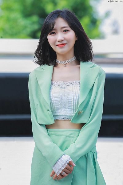 Tags: K-Pop, Lovelyz, Ryu Sujeong, Choker, Midriff, Hand On Hand, Looking Up, Medium Hair, Green Outerwear, Red Lips, Skirt, Collarbone
