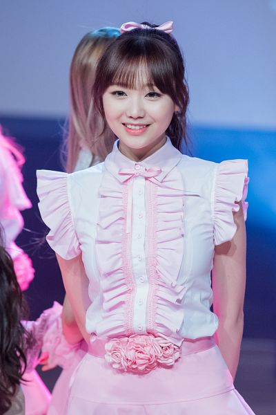 Tags: K-Pop, Lovelyz, Ryu Sujeong, Live Performance, Android/iPhone Wallpaper