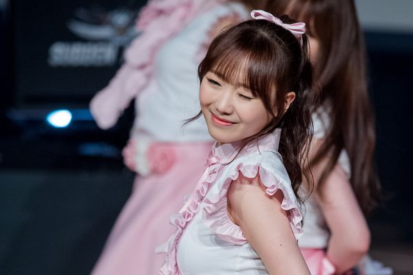 Tags: K-Pop, Lovelyz, Ryu Sujeong, Live Performance