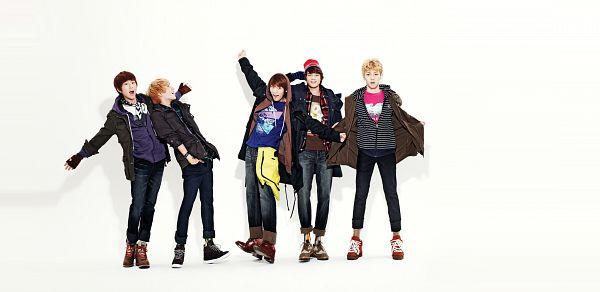 Tags: K-Pop, SHINee, Onew, Choi Minho, Key (Shinee), Taemin, Kim Jonghyun, Striped, Jeans, Hoodie, Striped Shirt, Brown Outerwear