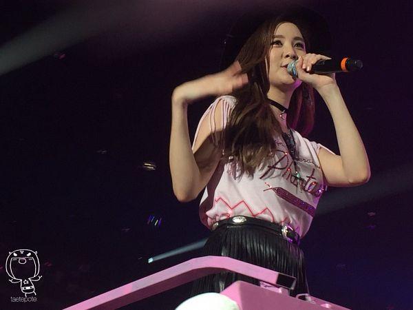 Tags: K-Pop, Girls' Generation, Seohyun, From Below, Looking Ahead, Skirt, Pink Shirt, Covering Mouth, Choker, Black Skirt, SNSD Phantasia Concert