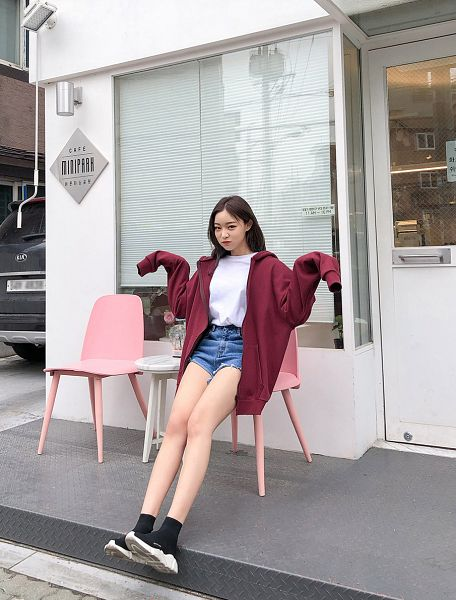 Tags: Fashion, Sae-eun, Shoes, Red Jacket, Hood, Pouting, Wavy Hair, Blue Pants, Hoodie, Red Outerwear, Shorts, Arms Up