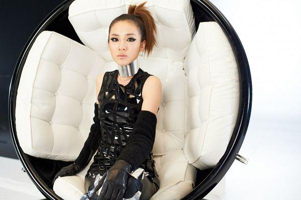 Tags: K-Pop, 2NE1, I Am The Best (Song), Sandara Park, Chair, Sitting On Chair