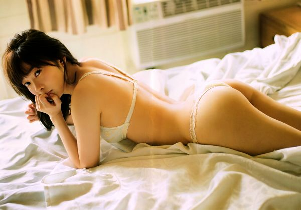 Tags: J-Pop, AKB48, Sashihara Rino, Underwear, Lingerie, Bare Legs, Laying Down, On Bed, Bra, Butt, Bare Shoulders, Wavy Hair