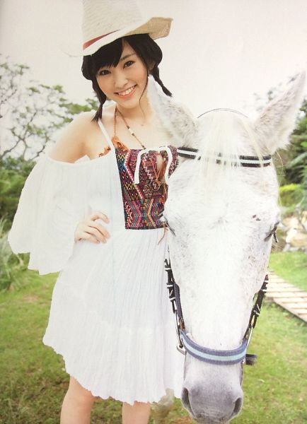 Tags: J-Pop, AKB48, NMB48, Sayaka Yamamoto, Necklace, Bare Shoulders, White Outfit, Outdoors, Bare Legs, White Dress, Animal, Medium Hair
