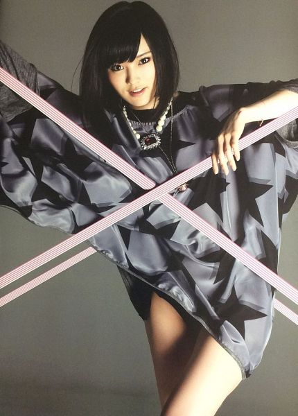 Tags: J-Pop, NMB48, Sayaka Yamamoto, Crossed Legs (Standing), Gray Background, Gray Dress, Medium Hair, Bare Legs, Necklace