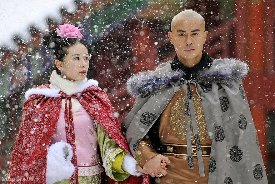 Tags: C-Drama, Kevin Cheng, Liu Shishi, Cape, Chinese Clothes, Snow, Fur Trim, Duo, Belt, Traditional Clothes, Couple, Holding Hands