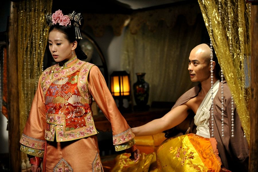 Tags: C-Drama, Kevin Cheng, Liu Shishi, Couple, Holding Hands, Partially Bald, Flower, Duo, Chinese Clothes, Traditional Clothes, Lamp, Bandages