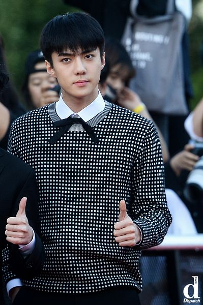 Tags: SM Town, EXO, Sehun, Thumbs Up, Dispatch