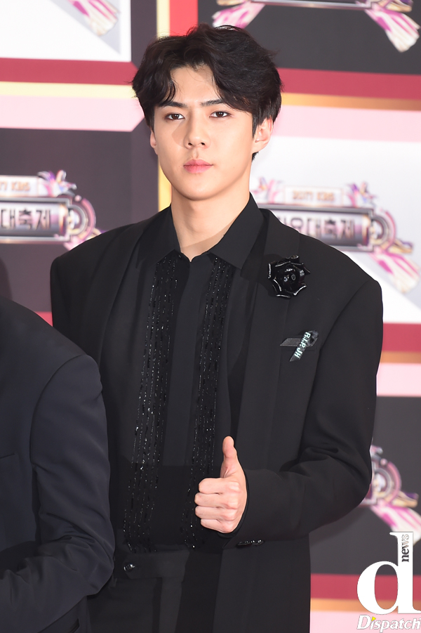 Tags: SM Town, EXO, Sehun, Thumbs Up, Red Carpet, Dispatch