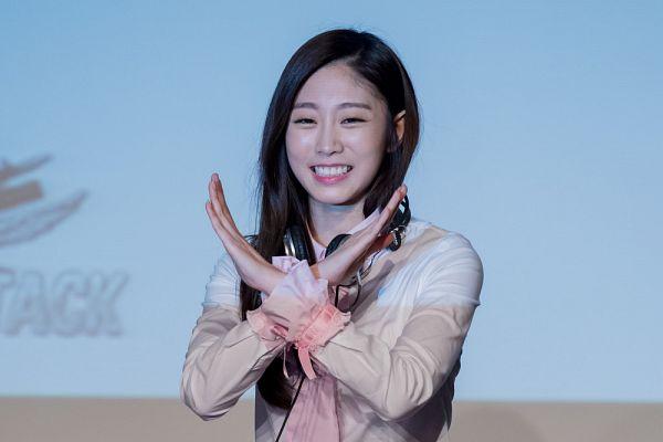 Tags: K-Pop, Lovelyz, Seo Jisoo, Crossed Arms
